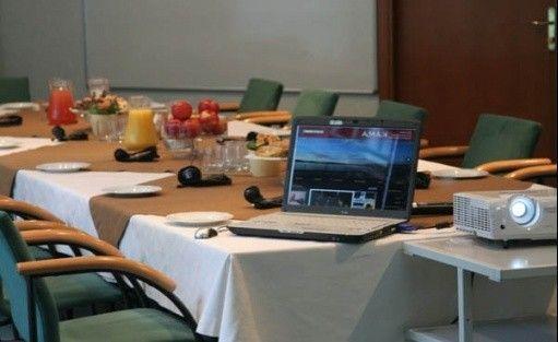 zdjęcie sali konferencyjnej, Ośrodek Szkoleniowo Wypoczynkowy Kama, Sieraków